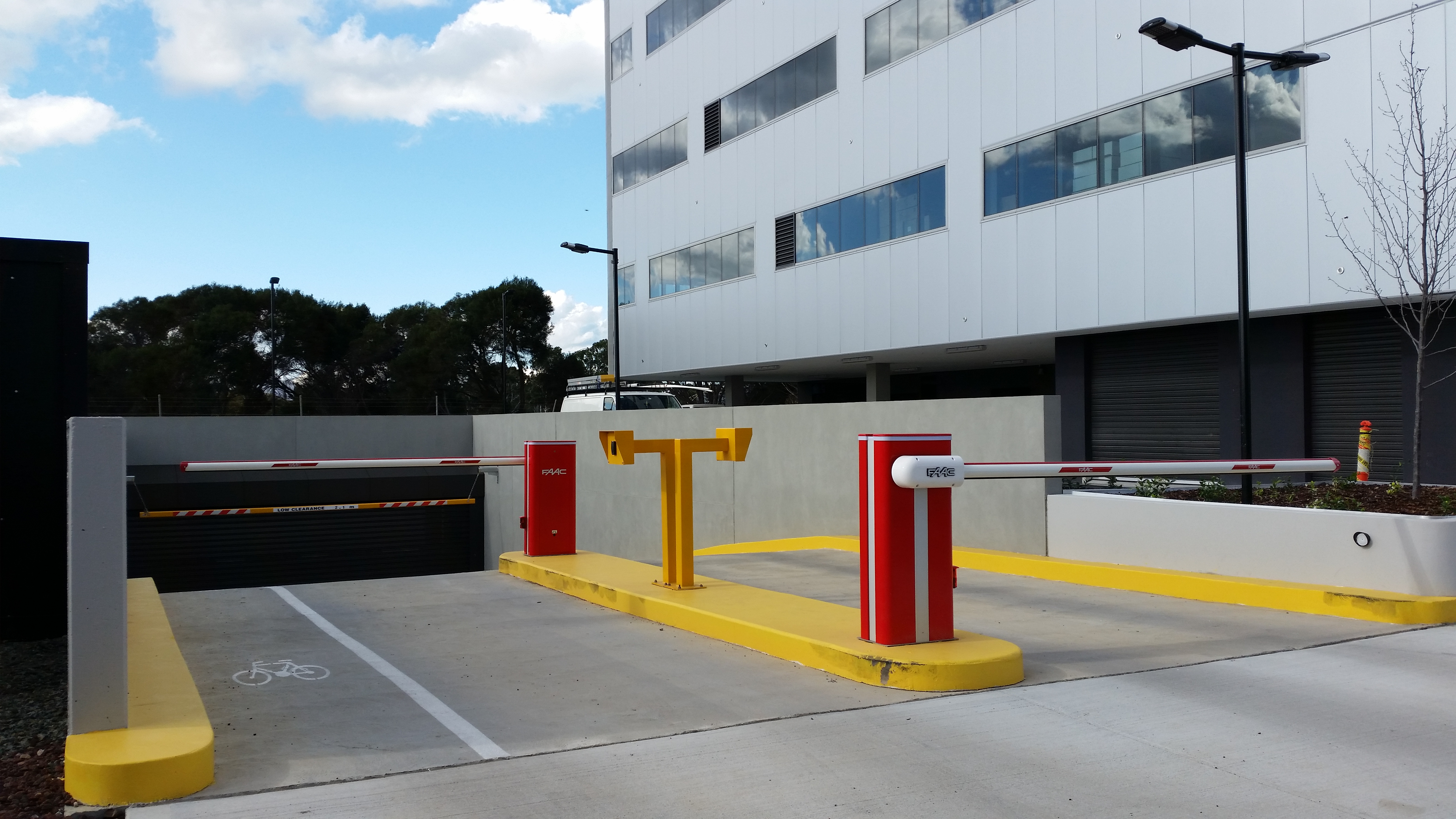 Entry Exit Boom Gates With Access Control System Nexus