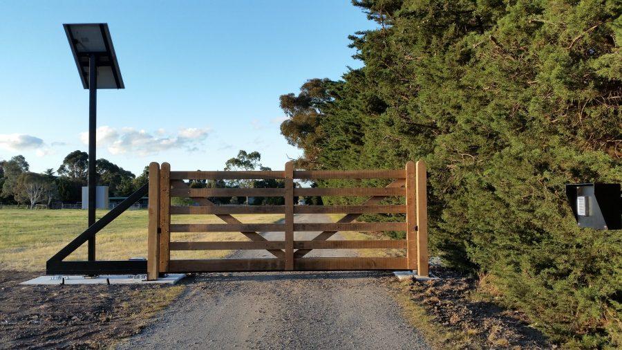 HHCS Timber Gate 1